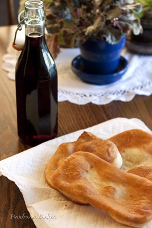 Homemade-Pancake-Syrup-with-Utah-Scones