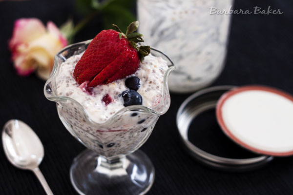 Overnight-Oatmeal-with-Berries-Barbara-Bakes