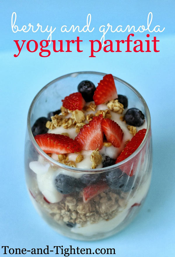 berry-and-granola-yogurt-parfait