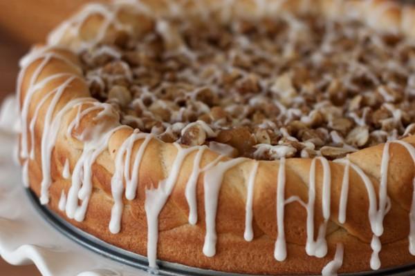 Apple-Crisp-Sweet-Roll-1-Barbara-Bakes