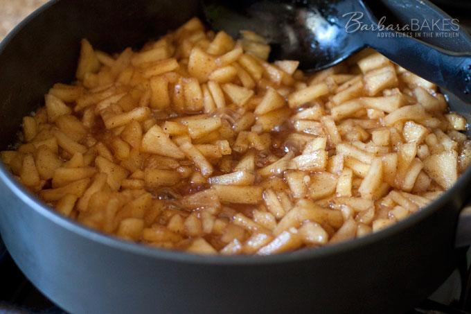 Apple Crisp Sweet Roll Filling