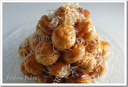 Daring Bakers' Croquembouche aka a Cream Puff Tower