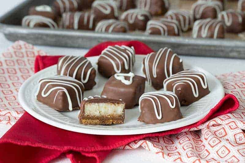 These Chocolate Caramel Cheesecake Bites are a perfect, irresistible Valentine's treat for your sweetheart.