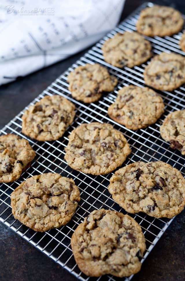 recipe: chocolate chip toffee oatmeal cookies [22]