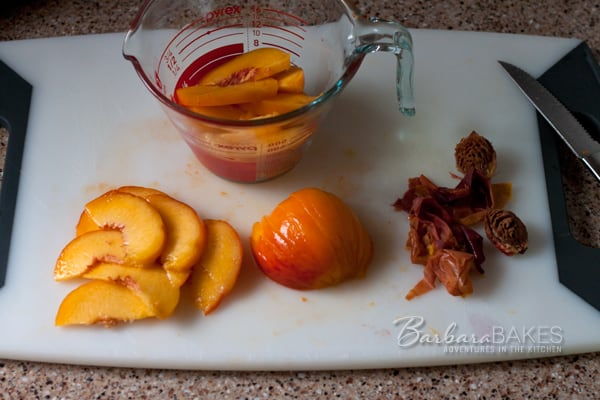 Easy Instructions on How to Slice Peaches