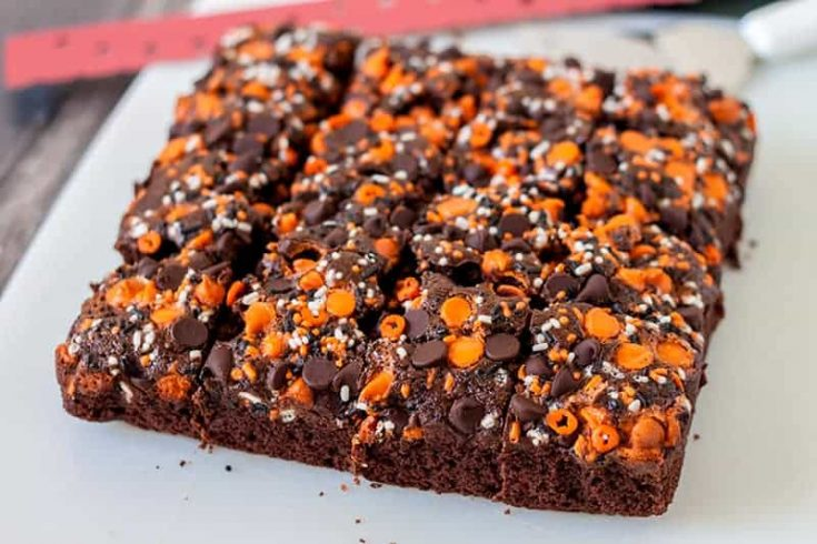 Easy Halloween Pumpkin Brownies