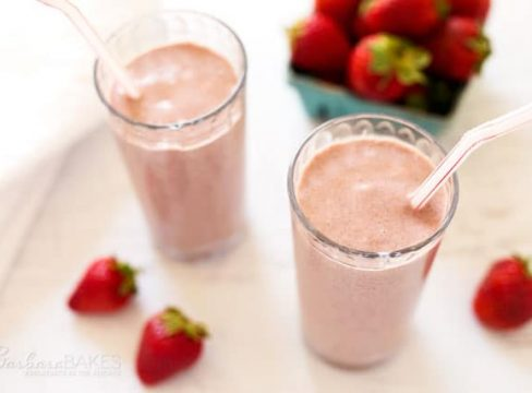 Featured Image for post - Strawberry Oats Coconut Chia Smoothie